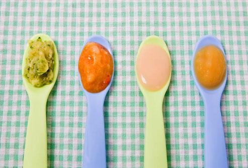 Primeira papinha: Como introduzir novos alimentos na dieta do bebê