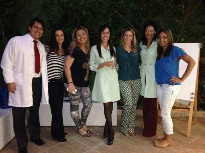 Dr. Bruno, Dra. Fabienne, Eu, Dra. Tatiana, Dra. Giovanna, Dra. Karen e Adionara!