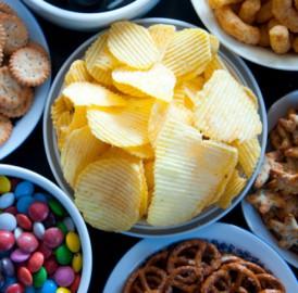 6 alimentos que devem ser evitados na dieta das crianças