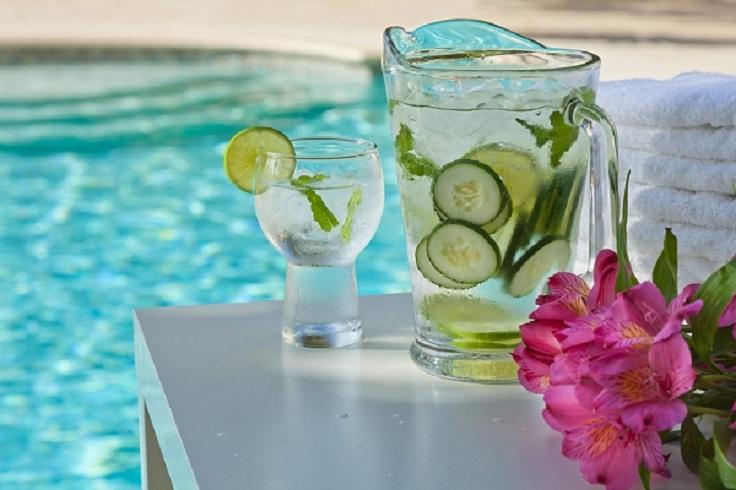 Água Detox com frutas 3