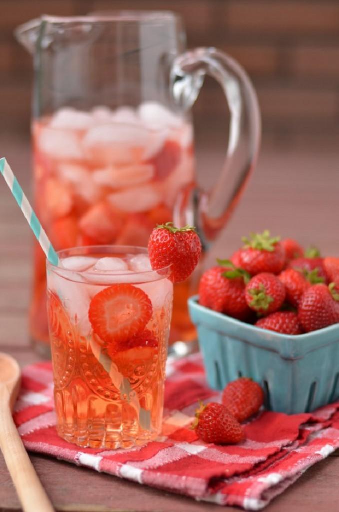 Água Detox com frutas 4
