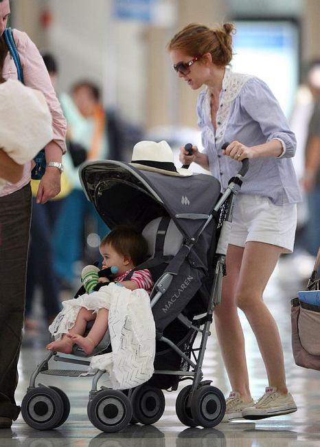chuck taylor com a filha