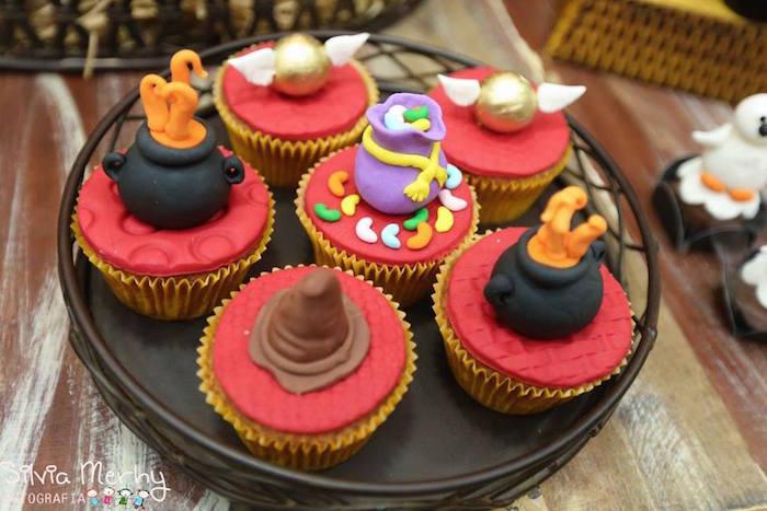 Harry-Potter-Themed-Birthday-Party-via-Karas-Party-Ideas-maesbrasileiras.com.br