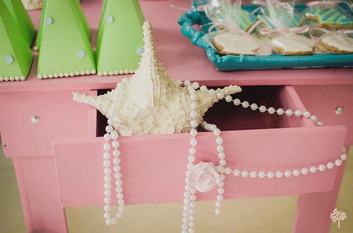Mermaid-Birthday-Party-via-Karas-Party-Ideas-KarasPartyIdeas.com14
