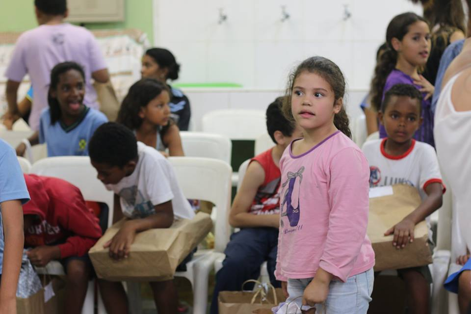11º Encontro Mães Brasileiras doação de brinquedos