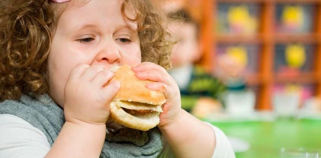 Obesidade infantil e a participação dos pais maesbrasileiras.com.br