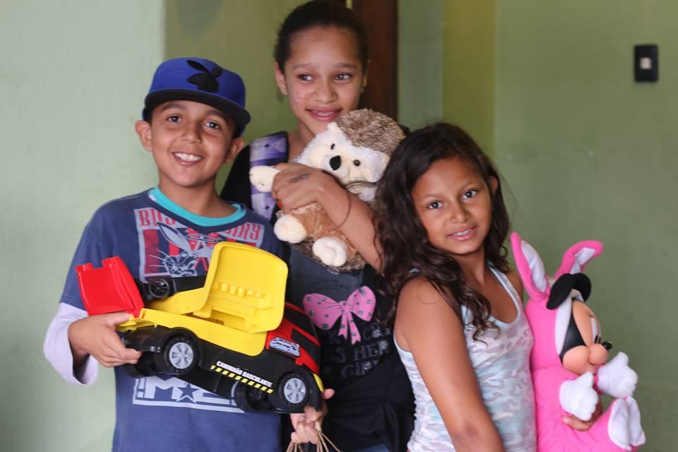 doações de brinquedos maesbrasileiras.com.br12