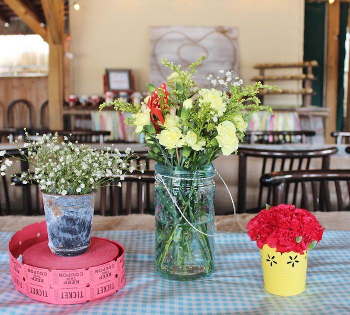 Festa Junina Chic jarro de flores do campo