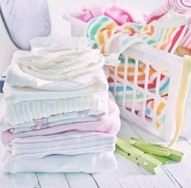 Como lavar roupas de bebes e criancas